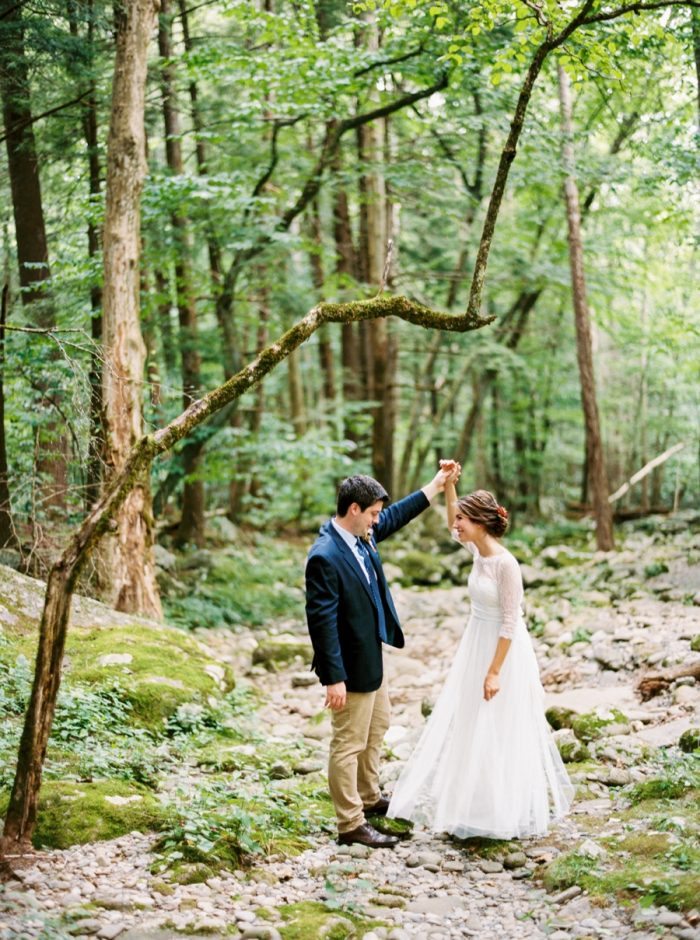 23 Spence Cabin Intimate Wedding | JoPhoto | Via MountainsideBride.com