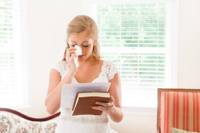 4 Bride Tears Daras Garden Tennessee Wedding Jophoto Via Mountainsidebride Com
