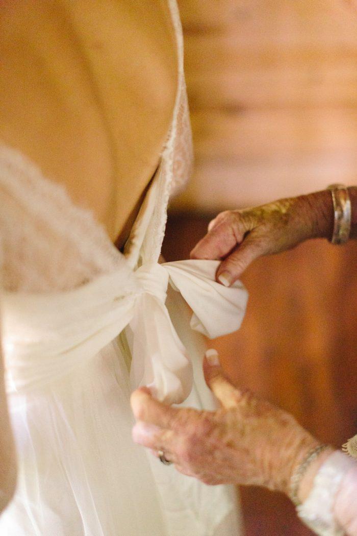 5 Spence Cabin Intimate Wedding | JoPhoto | Via MountainsideBride.com