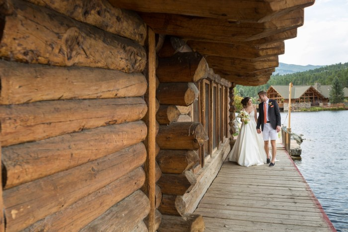 17 Colorado Lake House Wedding Inspiration Bergreen Photography Via MountainsideBride.com