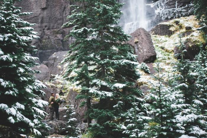 2 Telluride Winter Engagement Lyndsey Garber Photography Via Mountainsidebride.com