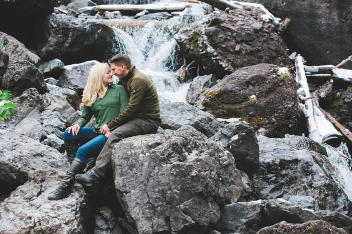 4 Telluride Winter Engagement Lyndsey Garber Photography Via Mountainsidebride.com