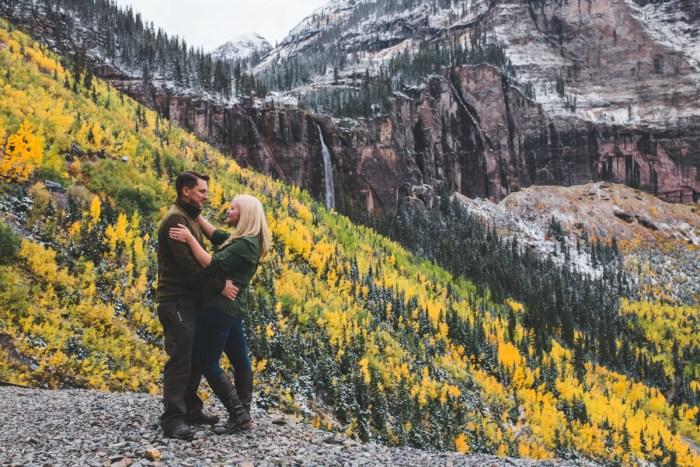 7 Telluride Winter Engagement Lyndsey Garber Photography Via Mountainsidebride.com
