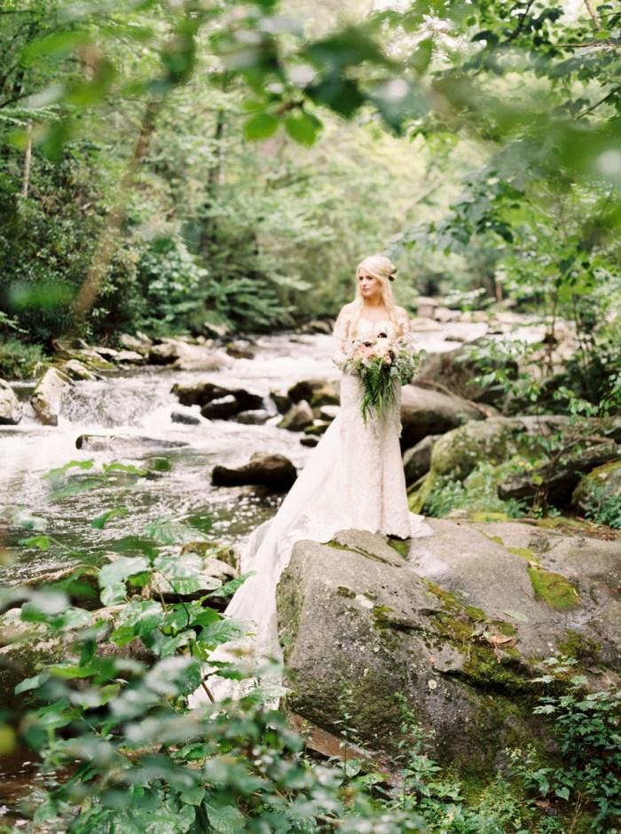 1 Roan Mountain Wedding JoPhotos Via Mountainsidebride.com