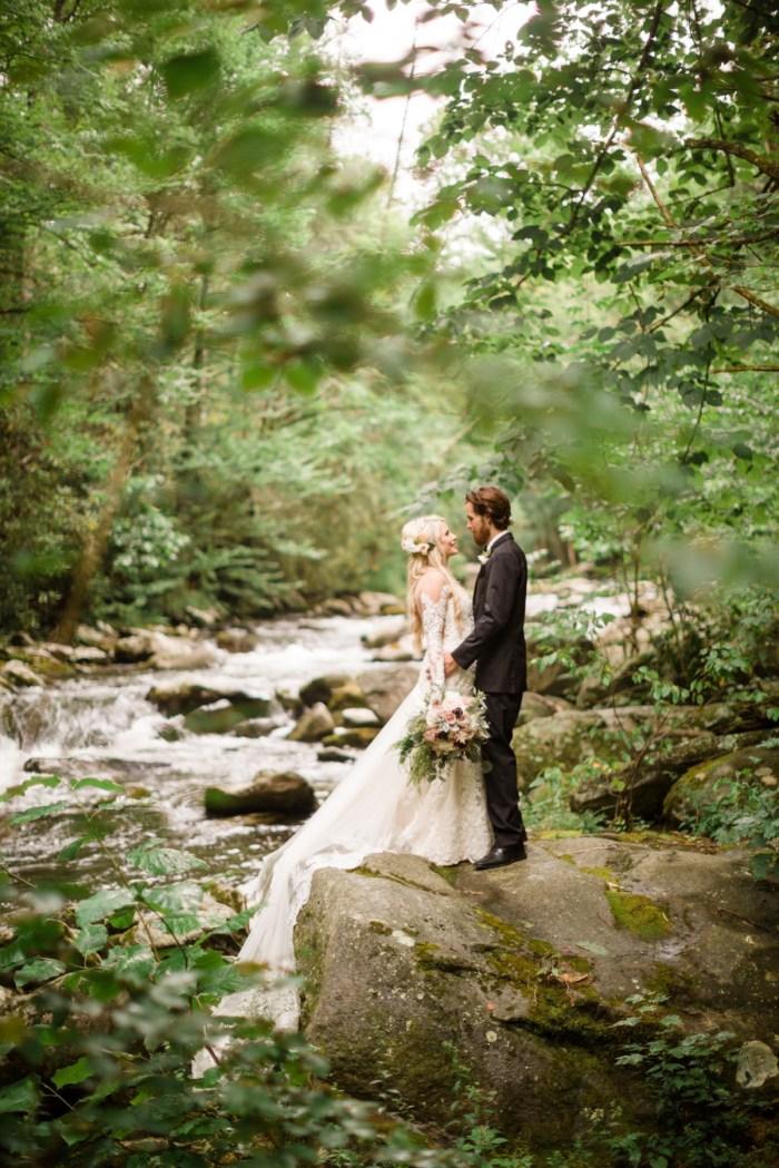 22 Roan Mountain Wedding JoPhotos Via Mountainsidebride.com