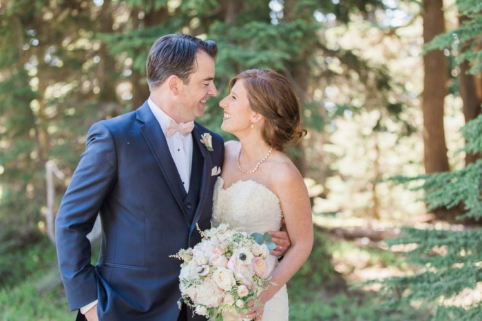 26 Timberline Lodge Oregon Susie And Will Photography Via MountainsideBride.com