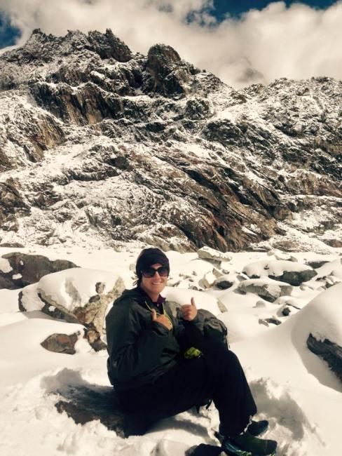 Hiking through the snow on Cho La