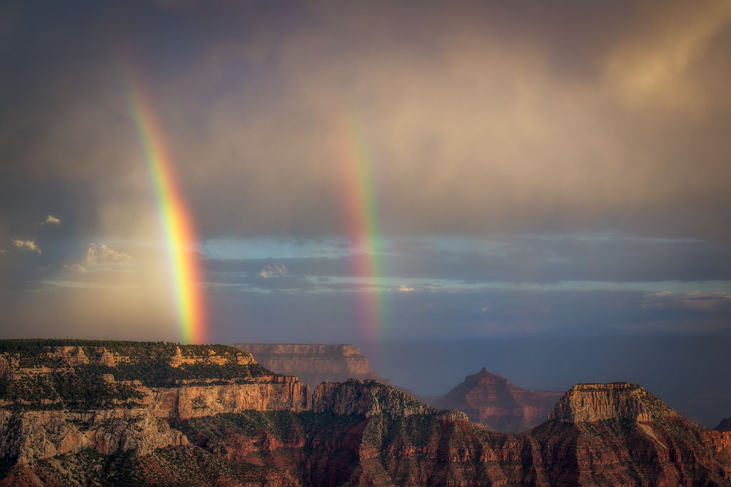 Bright angel point rainbow