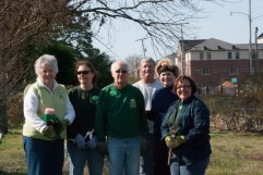 Master Gardeners Donna Meeks, Kathy Lloyd, Bill Pumphrey, Georgia Harris and Jackie Conklin with Mount Holly's sexton Steve Adams (3rd from right)