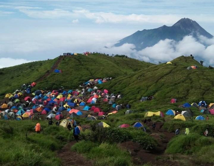 Yogyakarta hiking Merbabu camping