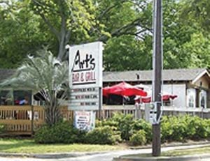 Art's Bar and Grill in Mount Pleasant, SC