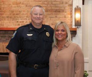 Nanci Steadman Shipman talks with Mount Pleasant Police Chief Carl Ritchie