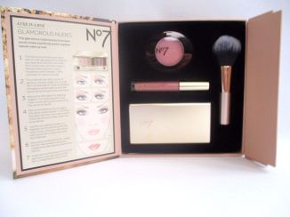 no7-luxe-in-a-box-glamorous-nudes-make-_57