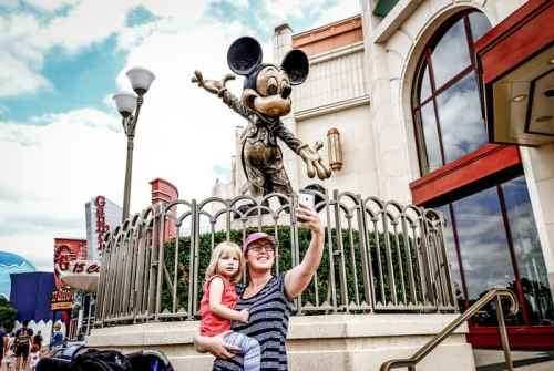 Planning a trip to Disney World can be overwhelming! Discover awesome tips and tricks to make planning and enjoying your trip to Disney World a breeze!#DisneyWorld #FamilyTravel #Travel