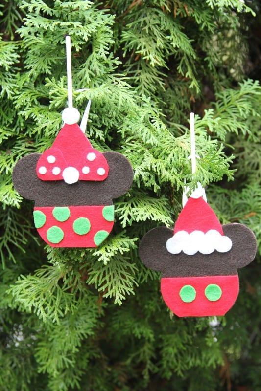 10 DIY Disney Christmas Decorations