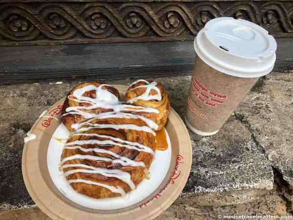 Disney Dining Plan hack for your Disney vacation that helps you use your snack credits for meals
