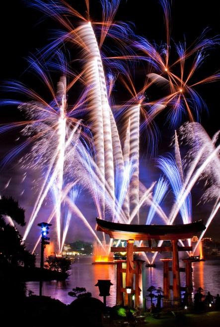 Epcot-Fireworks-19