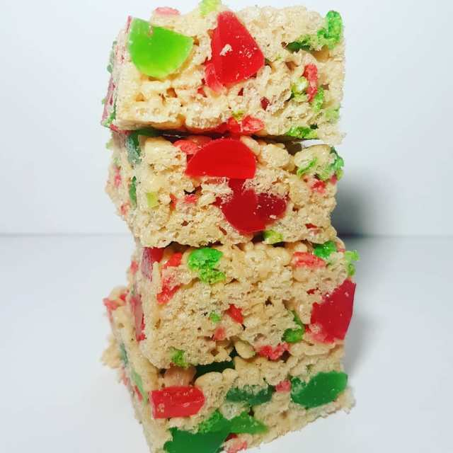 New recipe for Holiday Rice Krispie Squares is up onthebloghellip