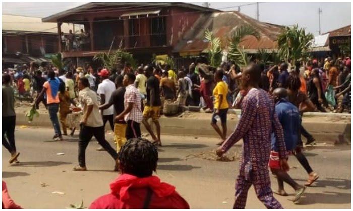 #EndSARS: Two feared dead as policemen, hoodlums clash in Edo