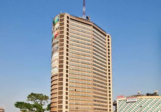 JUST IN: One feared dead, three injured as Cocoa house's elevator crashes in Ibadan