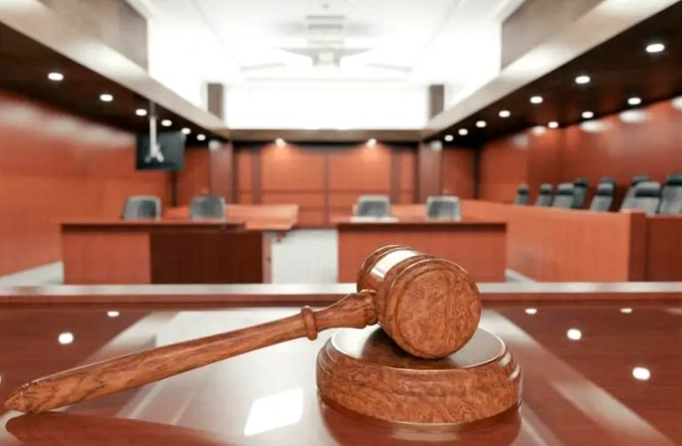 2 friends arraigned for allegedly stealing men's shoes, sandals