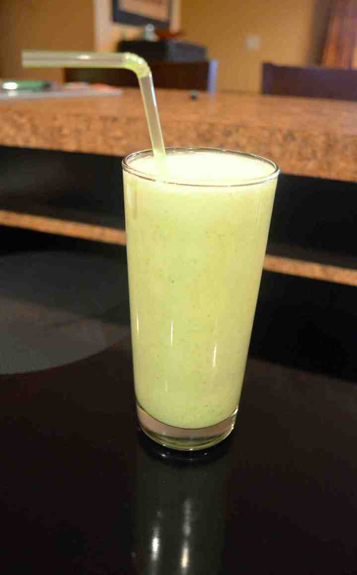 Coconut-Banana Green Smoothie!!