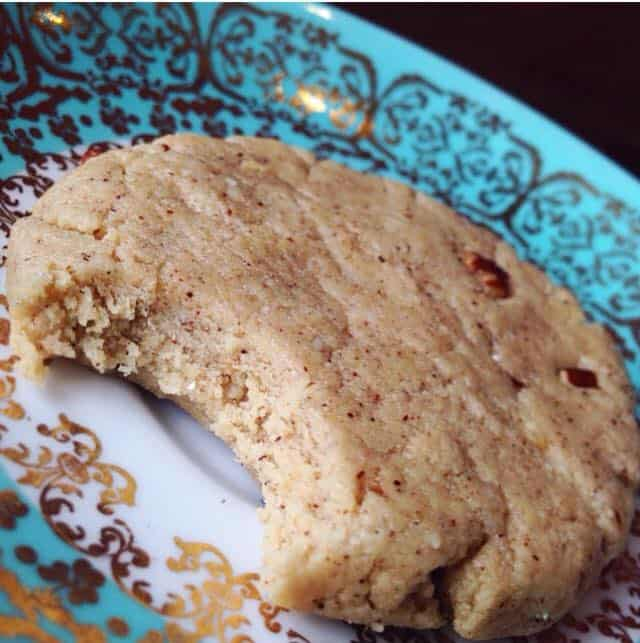 No-Bake Cinnamon Roll Protein Cookie