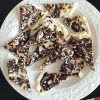 "Keto Peppermint Bark (Keto Christmas ""Crack"")"
