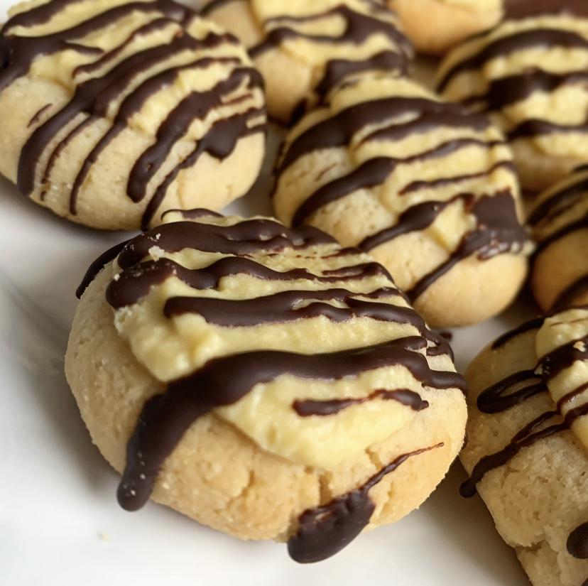 keto caramel chocolate shortbread cookies