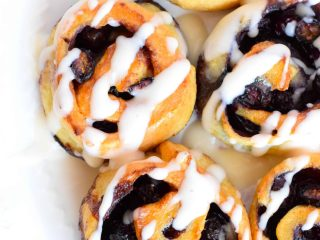 keto blueberry cinnamon rolls