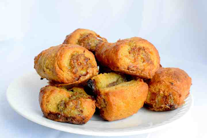 keto puff pastry sausage rolls