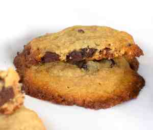 keto crispy chocolate chip cookies