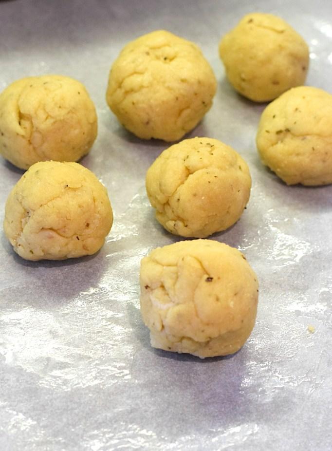 keto yeast buns