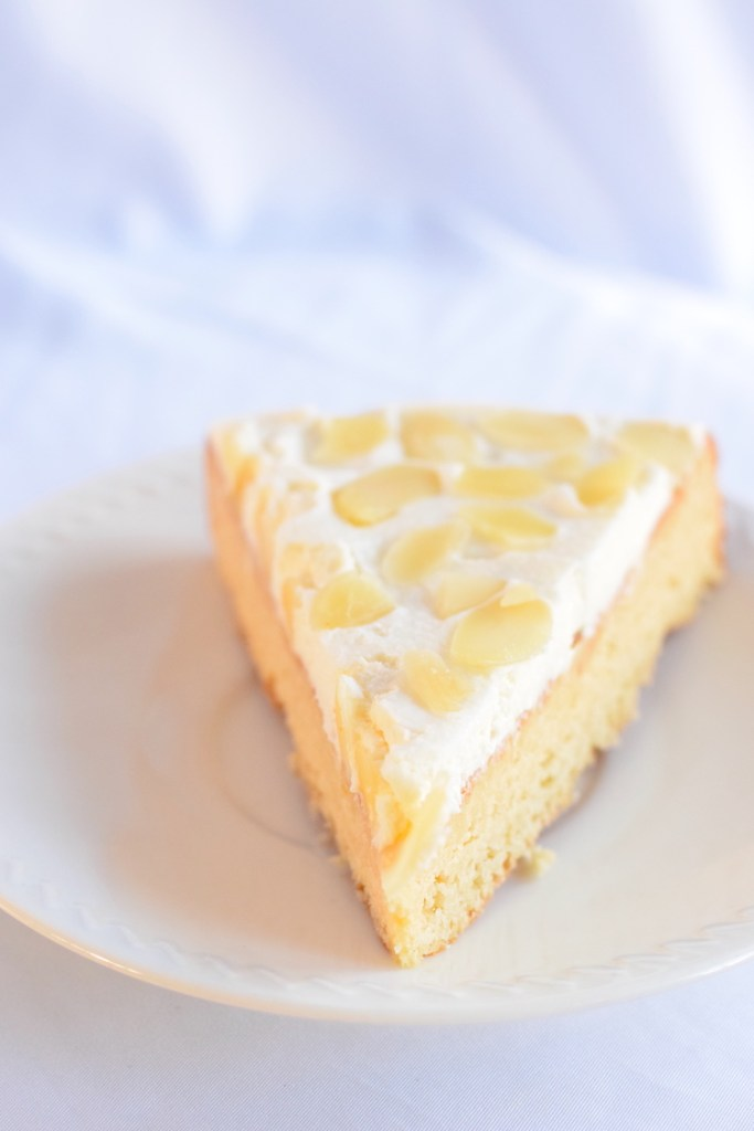 low carb almond cake with frosting