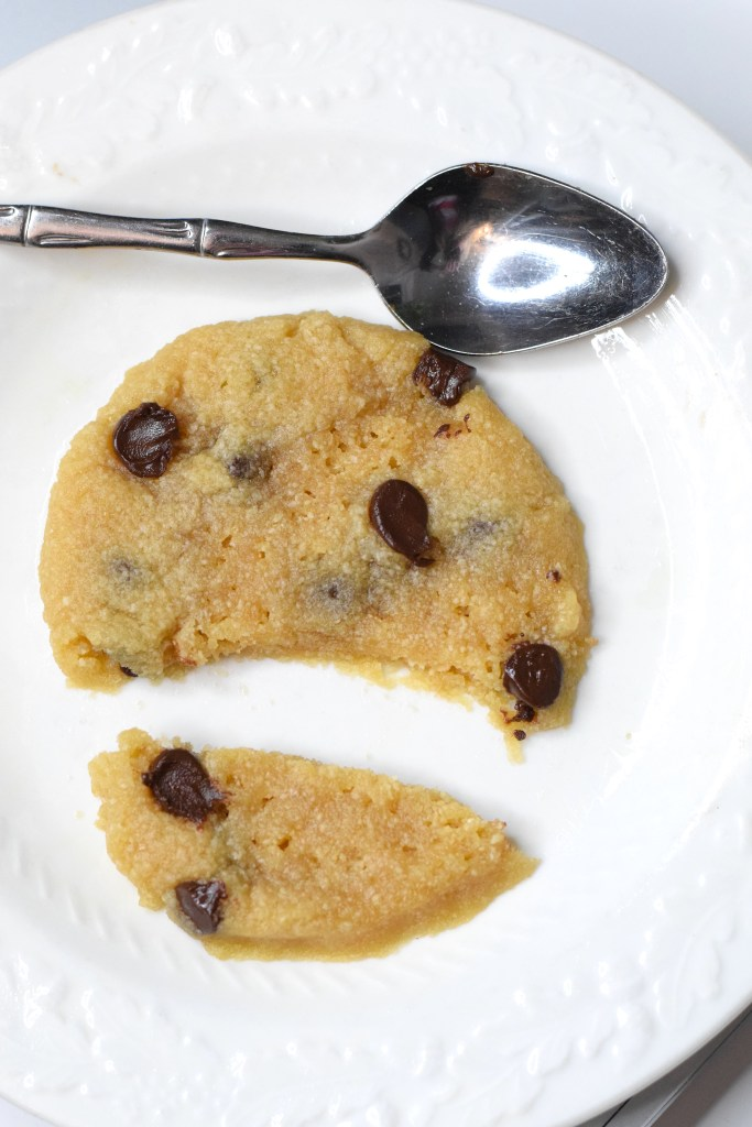 keto chocolate chip cookie microwave