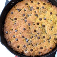 Keto Chocolate Chip Skillet Cookie