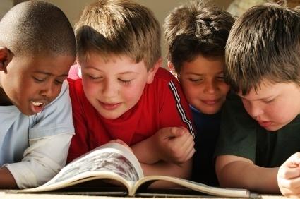 Kids reading Move Books