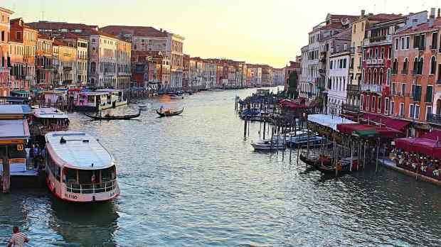 Venezia - gondole mare