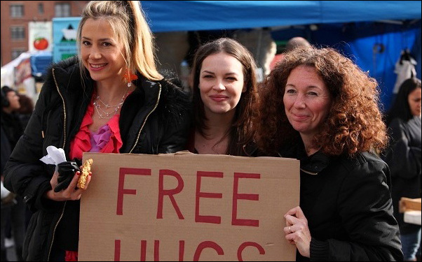 Mira Sorvino, Tammy Blanchard and Nancy Savoca on the set of the film Union Square