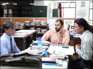 "Ritesh Batra directing a scene in ""The Lunchbox"""