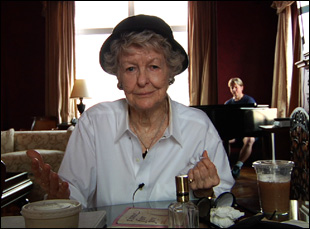 "Elaine Stritch in ""Elaine Stritch: Shoot Me"""