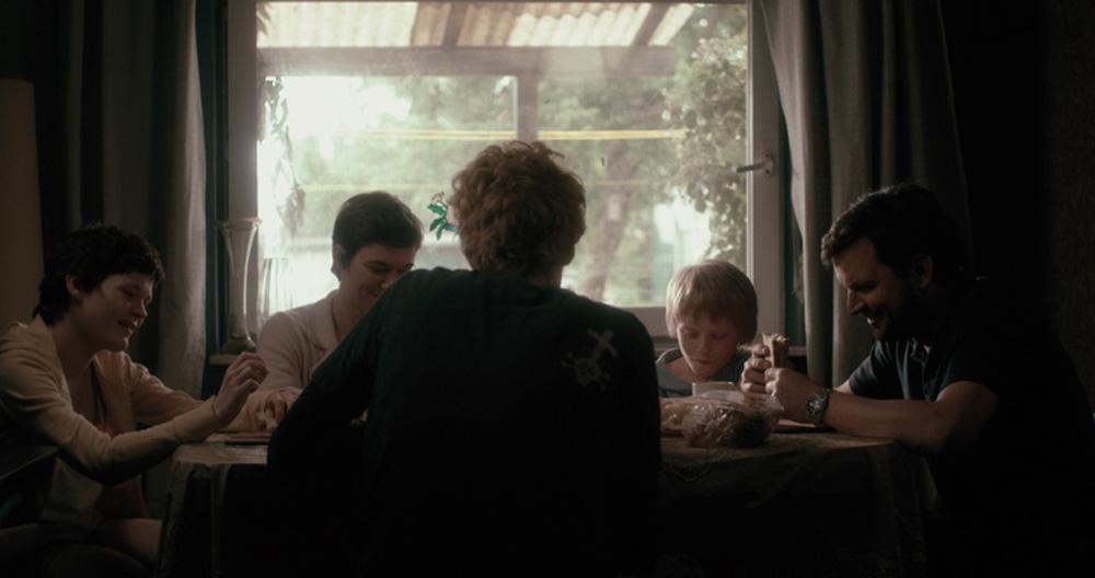 "Julius Feldmeier, Sascha Alexander Gersak, Annika Kuhl, Swantje Kohlhof in ""Nothing Bad Can Happen"""