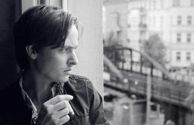 """Tom Schilling in """"A Coffee in Berlin"""""""