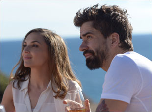 """Rachael Leigh Cook and Hamish Linklater in """"Midsummer Night's Dream"""""""