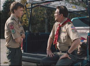 """Charlie Plummer and Dylan McDermott in """"The Clovehitch Killer"""""""