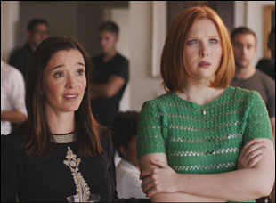 "Marguerite Moreau and Molly C. Quinn in ""Newly Single"""