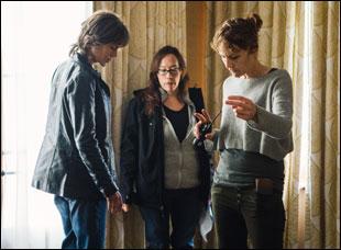 "Nicole Kidman, Karyn Kusama and Julie Kirkwood on the set of ""Destroyer"""