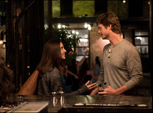 """Alison Brie and Anders Holm in """"How to Be Single"""""""