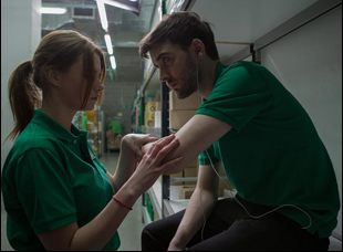 """Cian Barry and Abigail Hardingham in """"Nina Forever"""""""