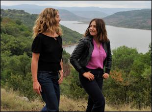 "Cecile de France and Izïa Higelin in ""Summertime"""